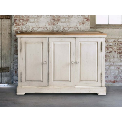 Bassett Three Door Hawkins Huntboard