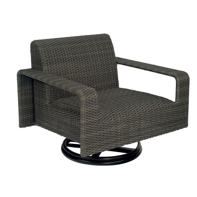 Woodard Swivel Lounge Chair