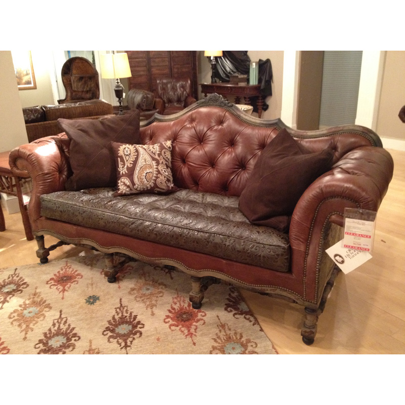 Leather furniture clearance sale hickory park furniture for Leather living room furniture clearance