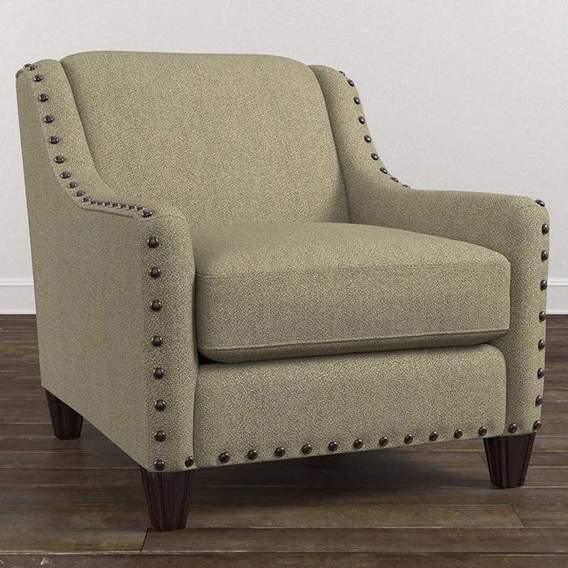 Bassett 2638 12 wyatt chair discount furniture at hickory for Furniture courier