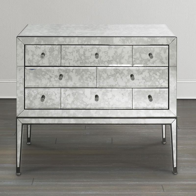 Bassett 6f38 0650 Presidio Mirrored Bachelors Chest
