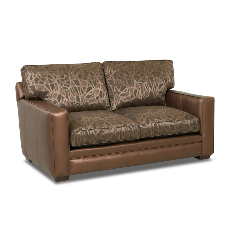 Comfort Design Cl1009 09 Ls Chicago Fabric And Leather Stationary Loveseat Discount Furniture At