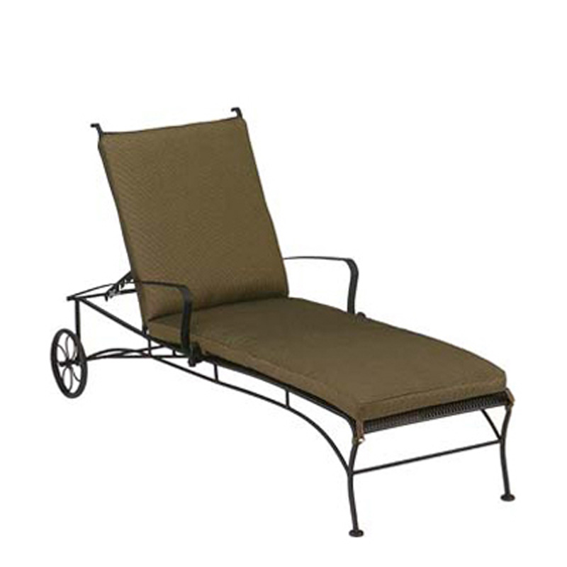 Wicker chaise outdoor and patio hickory park furniture for Carson chaise lounge