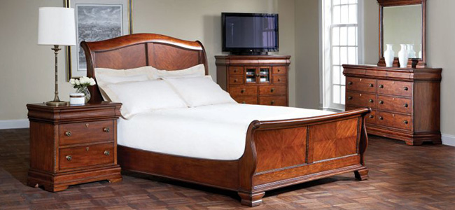 Nouvelle Bedroom Collection by BROYHILL shop Hickory Park Furniture ...